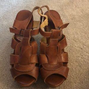 Bedstu Melissa Platform Sandal